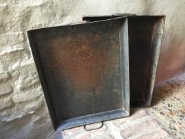 Oud metalen bakblik dienblad landelijk industrieel bakplaat bakblik metaal industrieel vintage