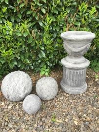Betonnen sokkel pilaar zuil voet beton massief opstap verhoging