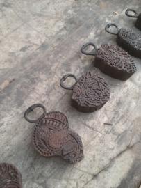 Oude houten opener van stempel textielstempel landelijk vintage industrieel