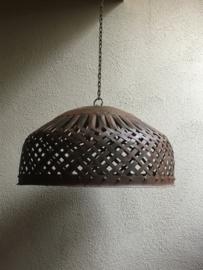 Smeedijzeren korf lampekap hanglamp mand bruin  landelijk vintage korflamp stoer industrieel