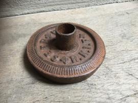 Oude ijzeren gewichten gewicht metaal industrieel kandelaar dinerkaars vintage landelijk bruin