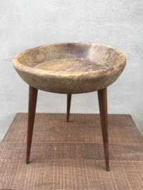 Vintage industrieel landelijk tafeltje tafel bijzettafeltje bijzettafel gemaakt van oude schaal