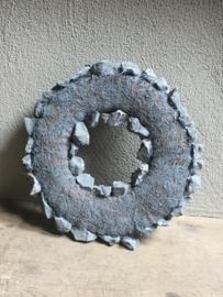 Stoere robuuste grijze krans grijs stenen kei steen stone landelijk stoer 35 cm