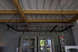 Stoer landelijk smeedijzeren metalen wildrek 120/130 x 50/60 cm industrieel keukenrek wildhaak