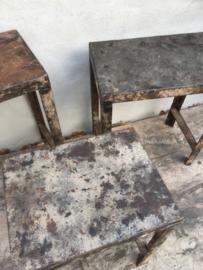Set van 3 metalen bijzettafeltjes krukjes kruk krukje madras stoer tafeltje tafeltjes tafel landelijk industrieel urban metaal grijsbruin