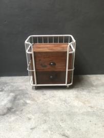 Stoer houten metalen trolley bakkerskar wit kar karretje industrieel landelijk kastje kast 2 laden lades ladenkast nachtkastjes ladekast nachtkastje nachtkastjes