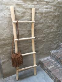 Oud houten ladder laddertje trap trapje rek rekje landelijk brocant stoer handdoekenrek decoratie hout