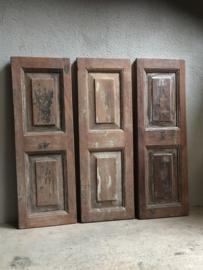 Stoer oud houten luik luiken landelijk naturel hout vergrijsd hout paneel panelen