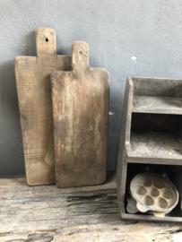 Oud houten plank snijplank broodplank kaasplank landelijk stoer vergrijsd bruin