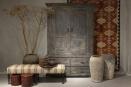 Grote grijs houten kast buffetkast servieskast klerenkast landelijk vergrijsd hout 2 deur lades