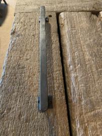 Stoer ijzeren handvat 40,5 cm landelijk industrieel massief metaal bruin handgreep stang