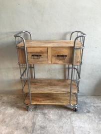 Grote industriële kast trolley kar bakkerskar Grijs  bakkersrek 2 lades schap rek metaal houten planken