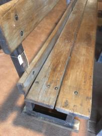 Lange oude degelijke doorleefd houten bank grote zithoek eethoek boeren eetkamertafelbank tuinbank 314 cm stationsbank lounge landelijk sober stoer