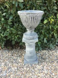 Betonnen tuinvaas pot bak bloembak bloempot beton rond louvre versaille frans model