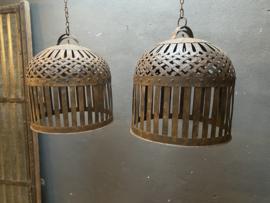 Smeedijzeren korf lampekap hanglamp mand bruin grijsbruin roest landelijk vintage korflamp stoer industrieel