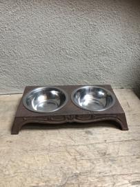 Gietijzeren dubbele voerbak vierkant drinkbak waterbak waterbakje hond kat landelijk brocant gietijzer bruin metaal