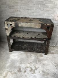 Oud metalen rek kast bakkersrek 92 x 39 x 77 cm kastje madras rekje grijsbruin schap gemaakt van gerecycled metaal industrieel landelijk stoer urban