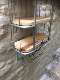 Zwaar metalen met houten wandrek 3 legplanken legplank 5 haken  handdoekenrek schap kapstok landelijk industrieel