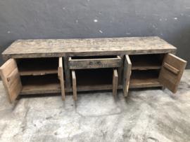 Oud vergrijsd houten dressoir 178 x 45 x H55 cm tvmeubel tv-kastje tvkast televisiekast televisiemeubel landelijk stoer