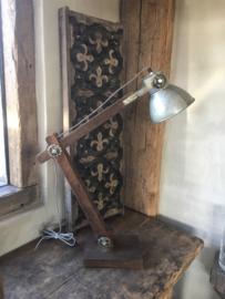 Industrieel metalen houten  lamp lampje buro bed leeslampje tafellamp tafellampje wandlamp industrieel landelijk grijs stoer metaal vintage hout metaal zink grijs bruin