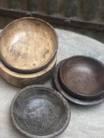 Nepal schaaltjes, oude schaaltjes, oud hout