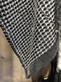 Prachtige zwart grijze plaid deken sprei 170 x 130 cm