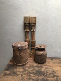 Oude vergrijsd houten baluster balluster aura Peeperkorn  balusters hout verweerd geleefd landelijk kandelaar 70 cm