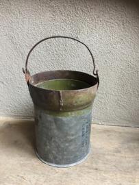 Oud metalen (zinken?) emmer emmertje assorti landelijk brocant industrieel