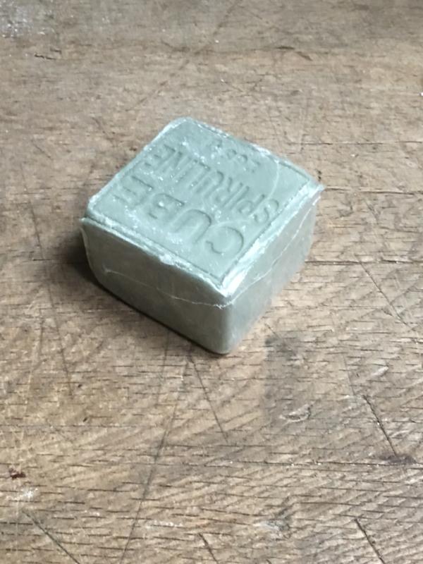 Heerlijk groot stuk zeep Cube spiruline 265 gram groen khaki