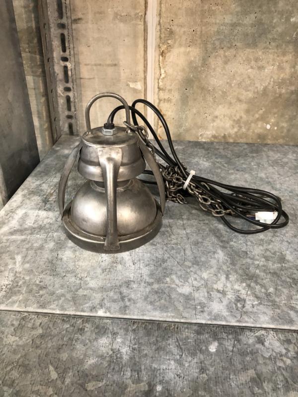 Klein stoer metalen hanglamp hanglampje industrieel stoer grijs spot spotje landelijk aan ketting