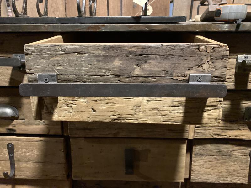 Stoer ijzeren handvat 30 cm landelijk industrieel massief metaal bruin plat M  handgreep stang
