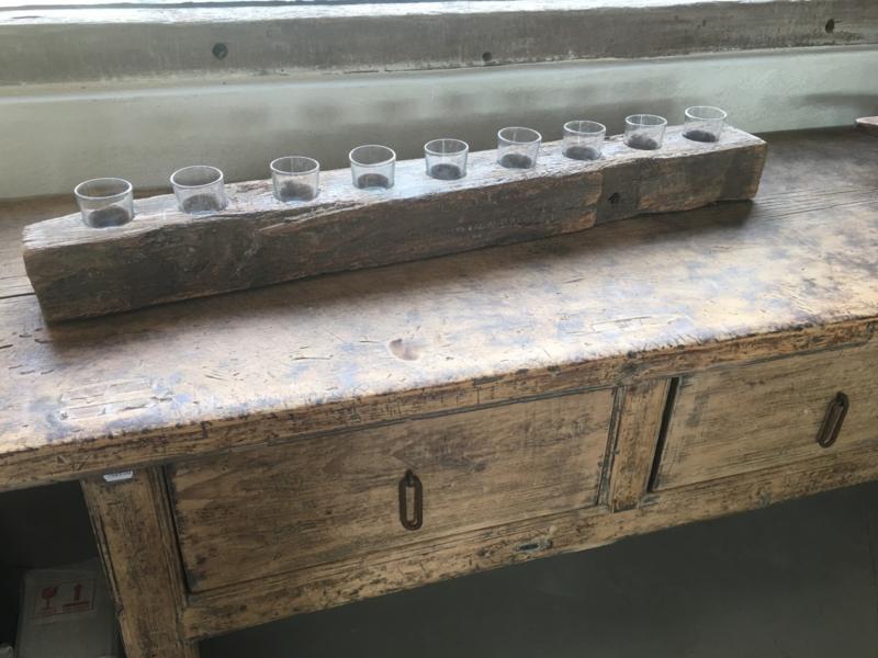 Stoer oud houten kandelaar theelicht theelichtjes biels stronk 95 cm 9 glaasjes hout grof nerf landelijk industrieel