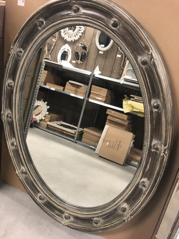 Grote ovaal houten spiegel ovale taupe grijsbruin 148 x 117 x 8 cm landelijk stoer robuust