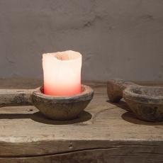 Oude houten lepel schep keukengerei pollepel brocant grijs grey old oud hout theelichtje landelijk