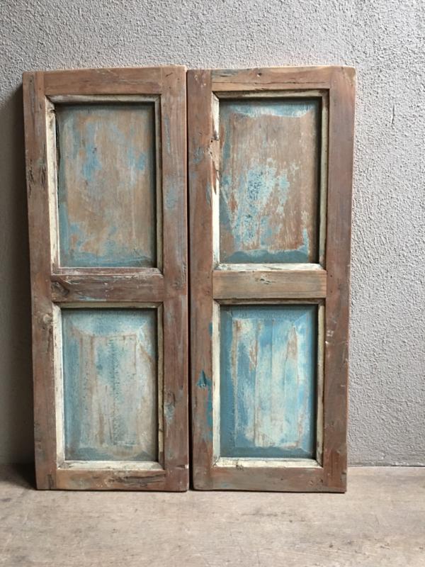 Zeer oude houten Louvre luiken Wandpaneel doorleefd turkoise turquoise sleets luikje Luik deurtje paneel wandpaneel landelijk stoer vergrijsd