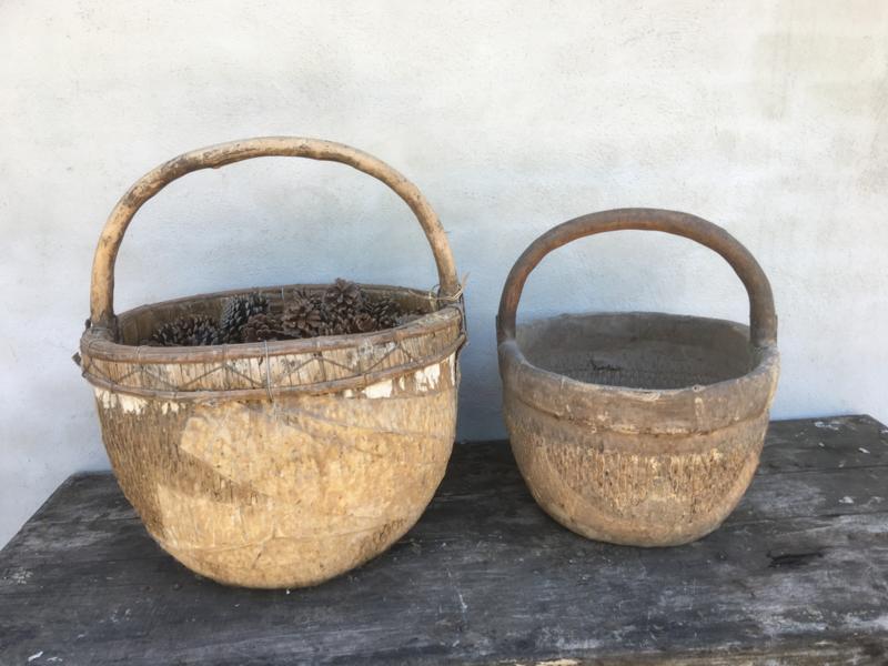 Prachtige grote oude rieten rotan chinese houten Appelmand mand assorti landelijk shabby stoer brocant  oud