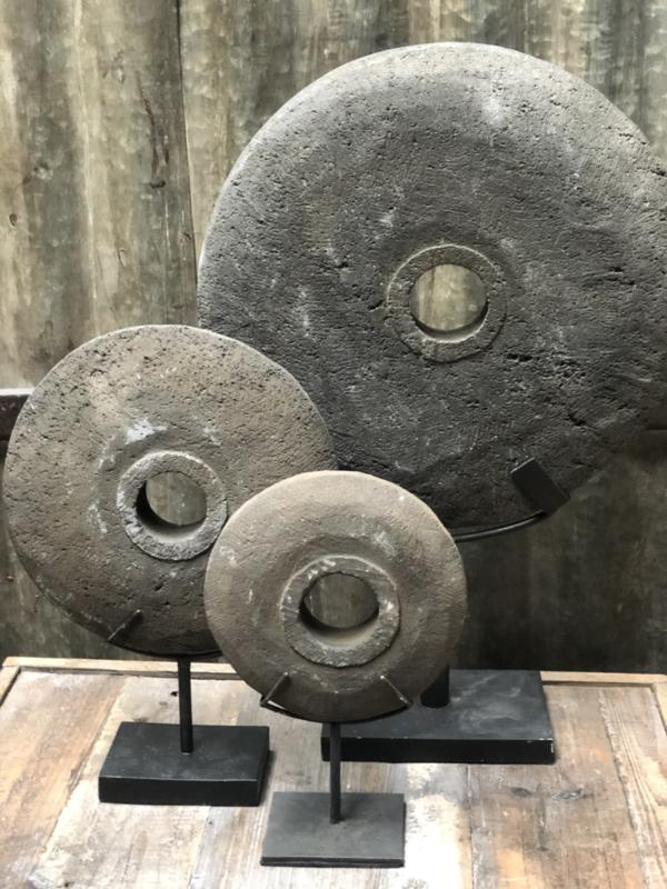 Donkere steen schijf Groot 30 cm