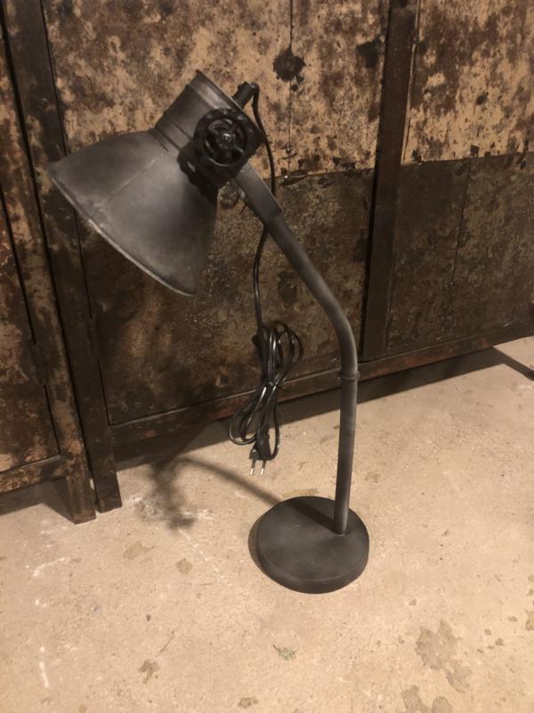 Industrieel metalen metaal zinken zink lampje buro sunburn grijs antraciet mat zwart old look bed leeslampje tafellamp tafellampje landelijk grijs stoer metaal