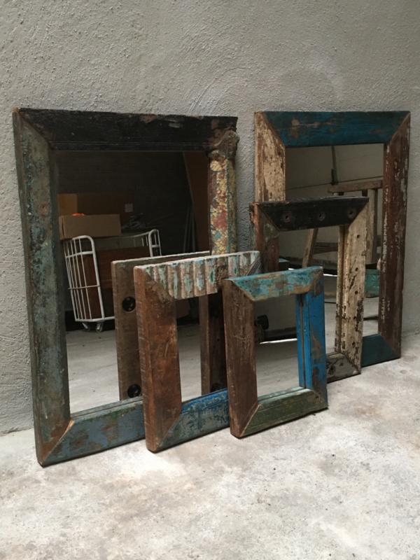 Gave gekleurde spiegels spiegel spiegeltje 30 x 25 cm spiegeltjes oosters gekleurd color coloring colour vintage