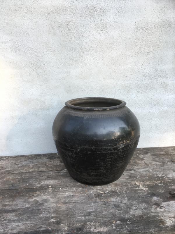 Prachtige grote zwarte stenen kruik pot landelijk stoer  industrieel zwart steen