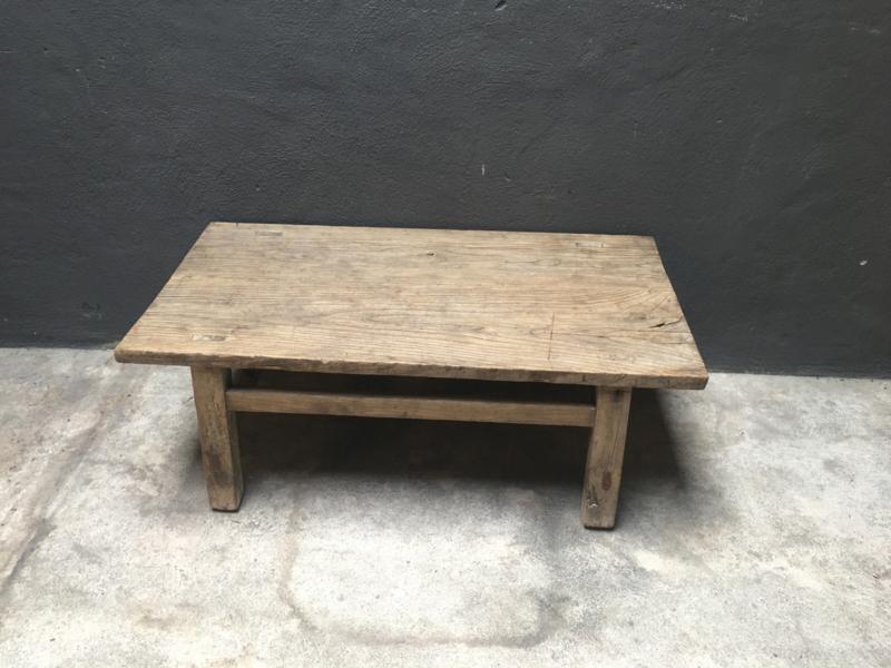 Oude vergrijsd houten salontafel tafel mooie nerf landelijk stoer 101,5 x 54 cm