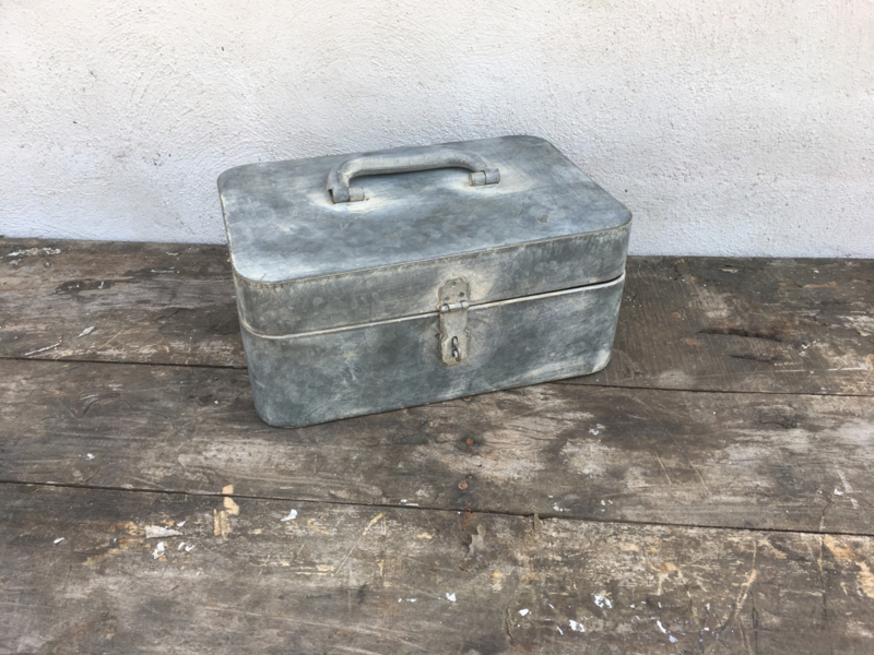 Zinken trommel broodtrommel kist kistje blik landelijk grijs industrieel nieuw zink