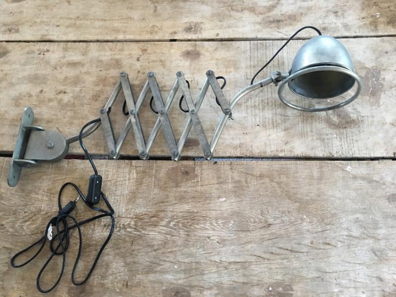 Frezoli Tielrantijn Cimino verzinkt metalen wandlamp schaarlamp harmonicalamp grijs metaal bureaulamp leeslamp