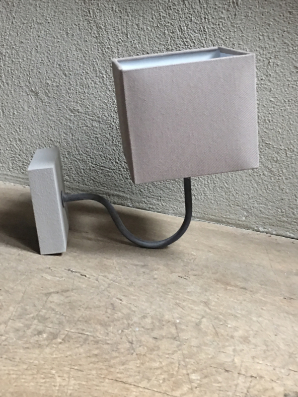 Landelijk taupe grijs wandlampje wandlamp lamp lampje stoer brocant hout
