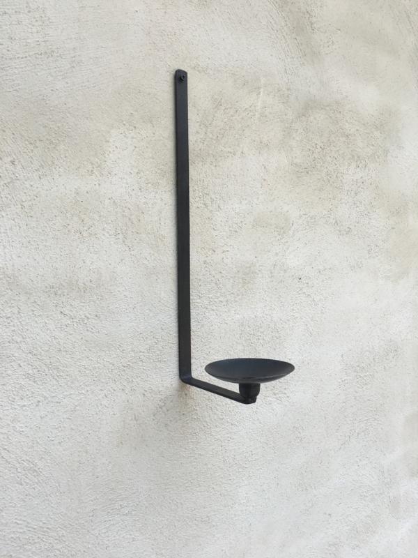 Smeedijzeren wandkandelaar metaal strak eenvoudige kandelaar dinerkaars stompkaars landelijk industrieel