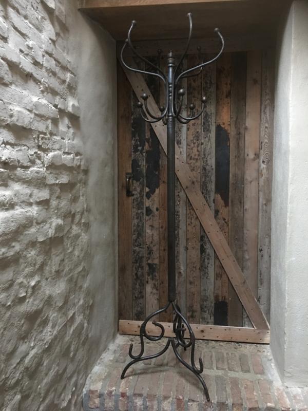 Grote hoge staande kapstok smeedijzeren landelijk industrieel stoer bruin 175 cm