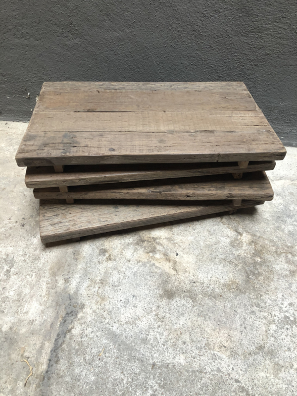 Grof oud vergrijsd railway truckwood houten dienblad tray wagon plateau landelijk stoer vintage industrieel schaal railway plank dienblad tray