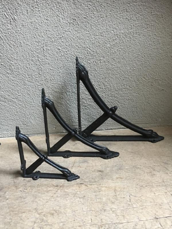 Gietijzeren schapdrager plankdrager 14 cm zwart planken steun plankensteun beugel haak hoek