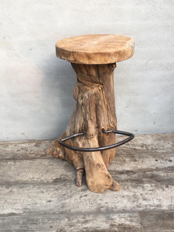Gave wortel houten barkruk kruk stronk boomstam boomstronk met voetsteun landelijk industrieel vintage stoer urban