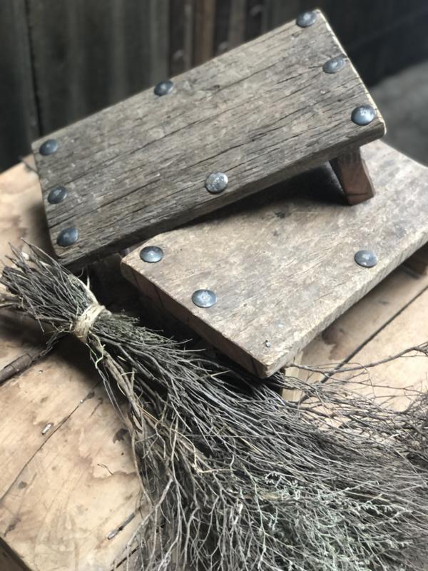 Bajot, oud houten plankje, stoer hout